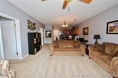 Camdenton Condo For Sale: 166 Oak Harbor Drive #2B