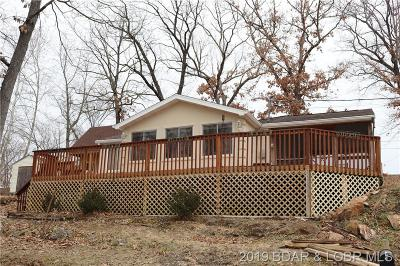 Benton County, Camden County, Cole County, Dallas County, Hickory County, Laclede County, Miller County, Moniteau County, Morgan County, Pulaski County Single Family Home For Sale: 132 Deep Water Drive