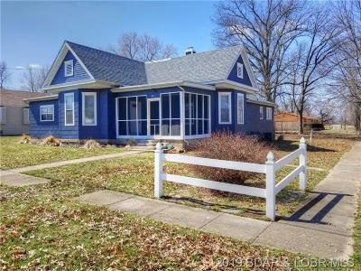Versailles Single Family Home Active Under Contract: 301 S Maple St