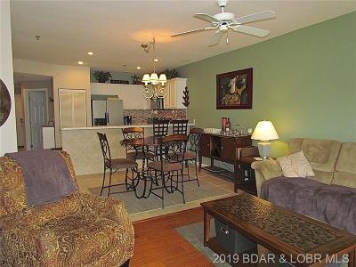 Camdenton Condo For Sale: 138 Oak Harbor #4B