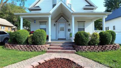 Eldon Single Family Home For Sale: 105 W 1st Street