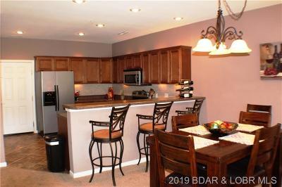 Camdenton Condo For Sale: 166 Oak Harbor Drive #4B