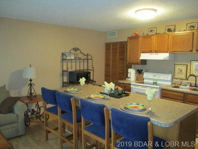 Lake Ozark Condo For Sale: 217-1c Southwood Shores Dr Drive #217-1C
