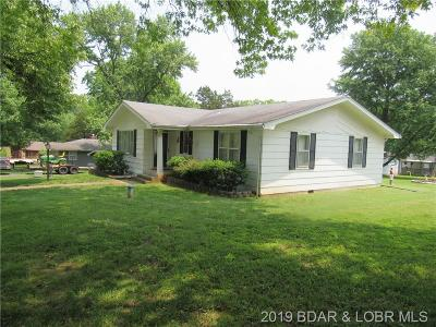 Single Family Home Active Under Contract: 176 Lynette Lane