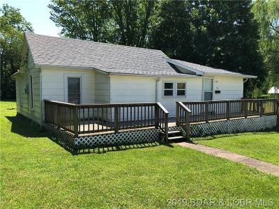 Eldon Single Family Home For Sale: 218 Godfrey N