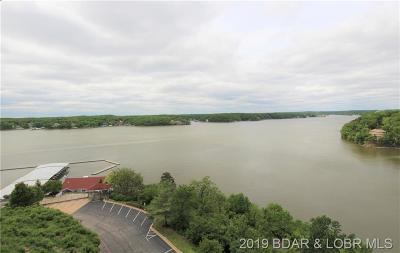 Lake Ozark Condo For Sale: 16 Palisades Lakeview Drive #4B