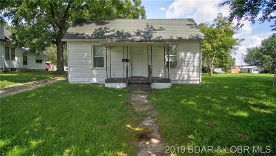 Eldon Single Family Home For Sale: 118 Grand Avenue N
