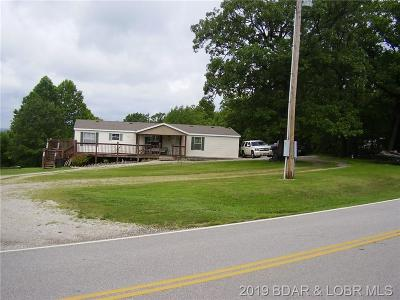 Benton County, Camden County, Cole County, Dallas County, Hickory County, Laclede County, Miller County, Moniteau County, Morgan County, Pulaski County Single Family Home For Sale: 6683 State Road D Road