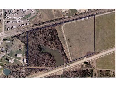 Wentzville Commercial Active Under Contract: Pinewoods Drive