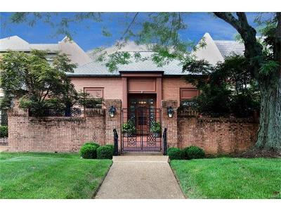Creve Coeur Single Family Home For Sale: 11 Chatfield Place