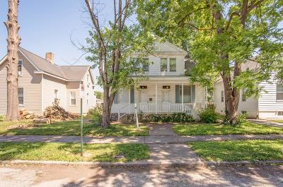 Belleville Single Family Home For Sale: 1124 North Church Street