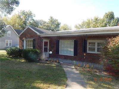 Single Family Home For Sale: 402 South Shelby