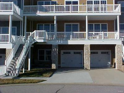 Grafton Condo/Townhouse For Sale: 302 Captains Court #23