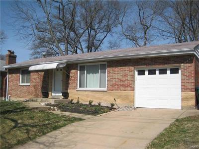 Webster Groves Single Family Home For Sale: 9107 Big Bend Boulevard
