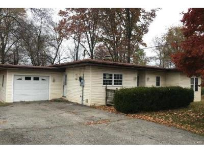 Fairview Heights Single Family Home For Sale: 70 Wilshire Drive