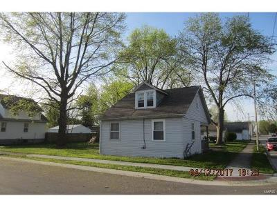 Mascoutah Single Family Home For Sale: 123 East South