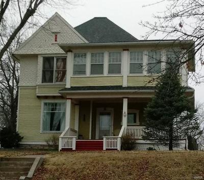 Hannibal Single Family Home For Sale: 1112 Hill Street