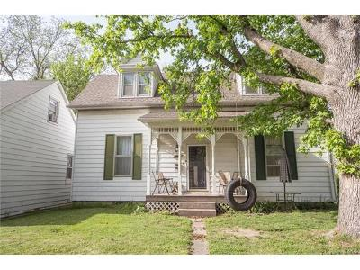 Mascoutah IL Single Family Home For Sale: $80,900