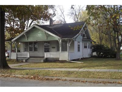 Monroe City Single Family Home For Sale: 208 Court Street