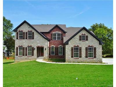 Fenton Single Family Home For Sale: Oak Ridge Place - Hemingway