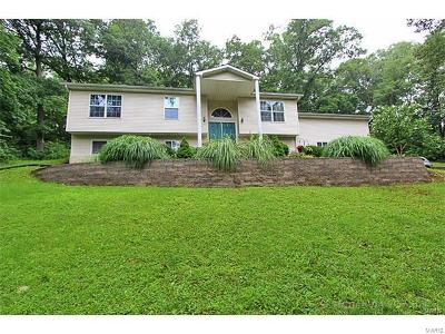 Imperial MO Single Family Home Contingent Short Sale: $149,900