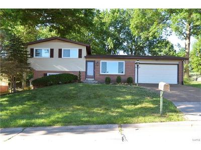 Ballwin Single Family Home For Sale: 1310 Wyncrest Drive