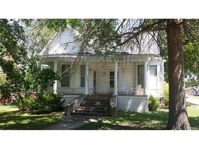 Paris Single Family Home For Sale: 502 W. Locust St