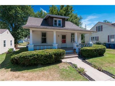 Belleville, Collinsville, Edwardsville, Glen Carbon, Highland, O Fallon, St Jacob, Swansea, Troy, Caseyville, Columbia, Fairview Heights, Lebanon, Mascoutah, Millstadt, New Baden, Shiloh, O'fallon Single Family Home For Sale: 718 Blair Avenue