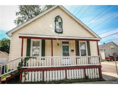 Collinsville Single Family Home For Sale: 401 South Clinton Street