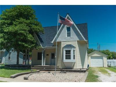 O Fallon Single Family Home For Sale: 206 West Fourth Street