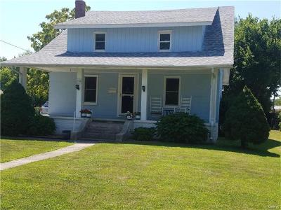 Jerseyville Single Family Home For Sale: 204 East Pearl