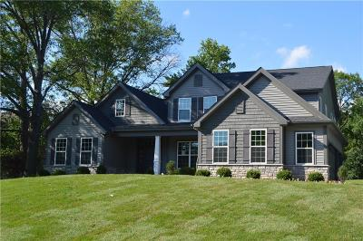Creve Coeur Single Family Home For Sale: 702 Champeix Lane