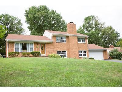 Creve Coeur Single Family Home For Sale: 11 Quailways Drive