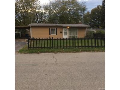 Cahokia Single Family Home For Sale: 404 Saint Thomas Lane