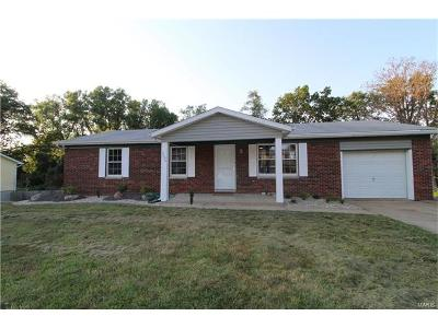 Godfrey IL Single Family Home For Sale: $125,000