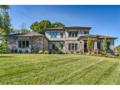 Creve Coeur Single Family Home For Sale: 14 Alden Lane
