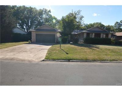 Godfrey IL Single Family Home For Sale: $215,000