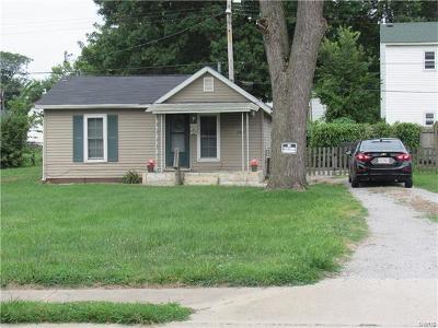 Granite City Single Family Home For Sale: 2704 Myrtle Avenue