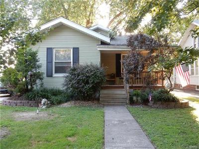 Edwardsville IL Single Family Home For Sale: $134,900