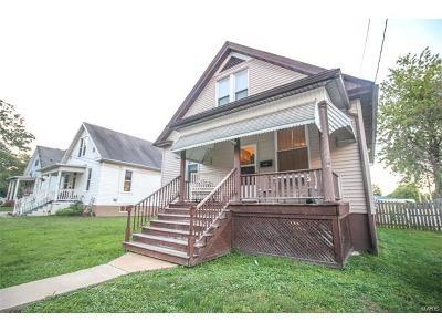 Edwardsville Single Family Home For Sale: 525 Gueltig Avenue