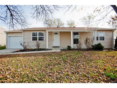 O'Fallon Single Family Home For Sale: 1710 Springhill Drive