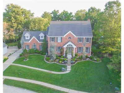 St Louis County Single Family Home For Sale: 2373 Maybrook Lane