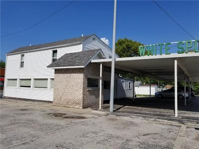 Jerseyville Commercial For Sale: 403 North State