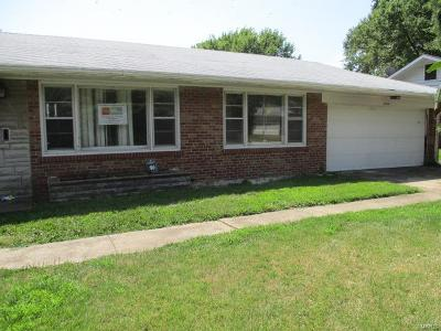 St Louis Single Family Home For Sale: 1330 Norchester