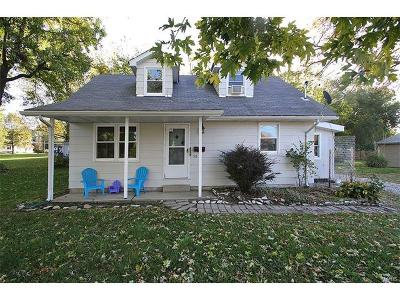 Troy Single Family Home For Sale: 115 North Border