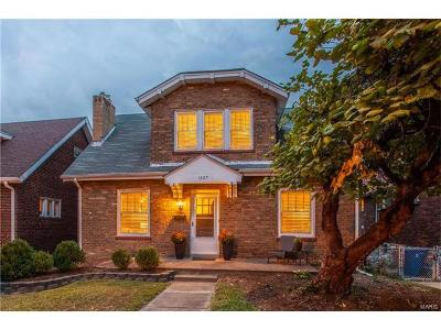 St Louis Single Family Home For Sale: 1427 Barger Place