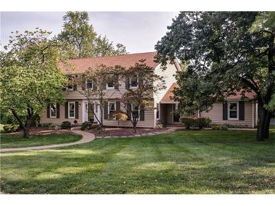 St Louis Single Family Home For Sale: 10932 Chalet Court