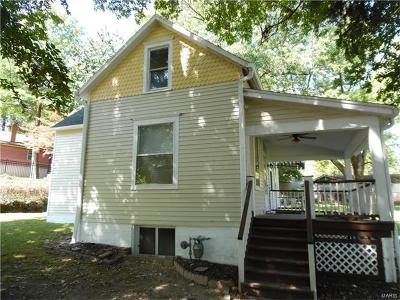 Belleville IL Single Family Home For Sale: $64,900