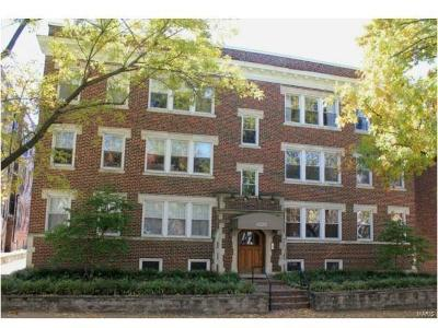 Clayton Condo/Townhouse For Sale: 6330 Southwood Avenue #3W