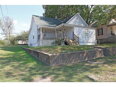 Scott City Single Family Home For Sale: 700 Fourth Street East